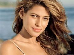 Eva Mendes. Makeup for olive skin, blonde hair, and brown eyes.