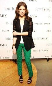 Anna Kendrick rocks green