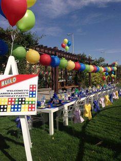 A cool outdoor lego party
