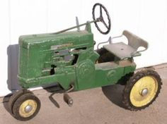 Riding Pedal Tractor