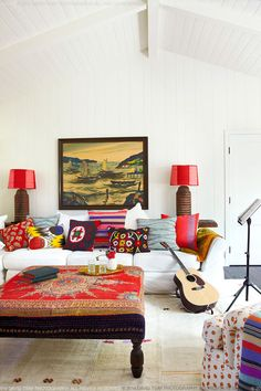 How wonderful are the pops of red in this room?