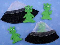 Crack of Dawn Crafts: Alien and Spaceship Finger Puppet Playset