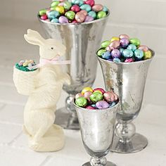 Love the vase with easter eggs - would prefer clear glass and the bunny needs to go!