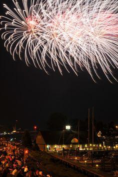 South Haven Michigan Fireworks by DaveRoch, via Flickr CROWDS:)