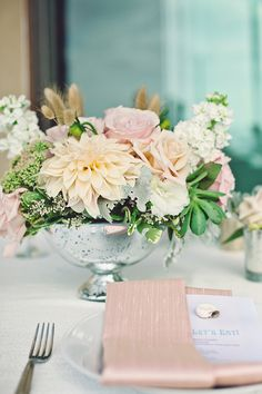 So beautiful! Blush pink floral centerpiece and table setting #blushpink #blushpinkwedding #tablesetting #weddingdecor #tablescapes