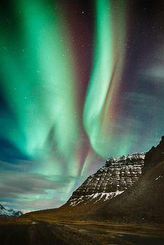 Hvesta . Aurora Borealis , Iceland