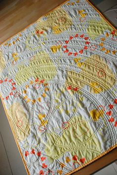 yellow quilt- I love the quilting