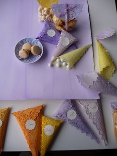 Dyed doilies.