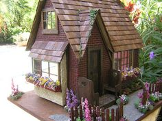 Dollhouses by Robin Carey: English Country Cottage