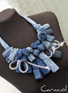 Caracol: rolled denim necklace