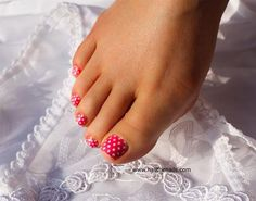 pink and white polka dots pedicure