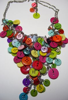 I love this - have the chain and the jump rings - have to make!