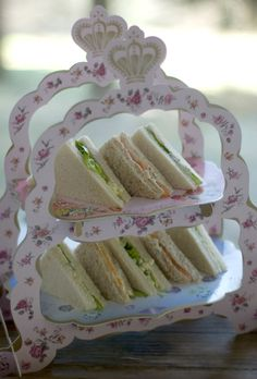 ❥ pretty display for tea sandwiches