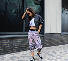 Outfits with Camo Pants-23 Ways To Wear Camo Pants Stylishly