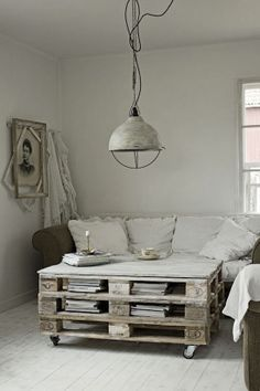 Pallet and Crate Furniture