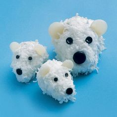 polar bears! bear cupcak, gourmet cupcakes, polar bears, coconut, cupcake recipes, food, polarbear, bear cubs, christmas cupcakes