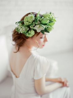 Monochromatic green flower crown | Ksenia Milushkina Photography