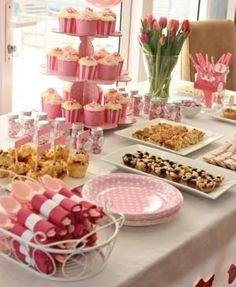 Mesa de postres rosa