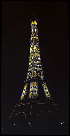 One of the most beautiful night shots of the Eiffel Tower, transforming it into an Art Deco masterpiece