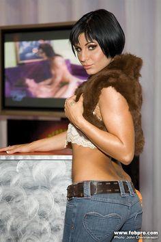 Ariana Jollee