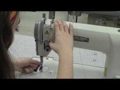 Como passar linha em uma máquina de costura industrial - YouTube