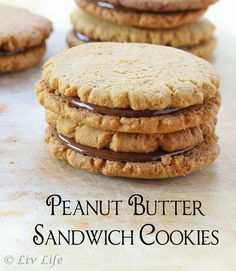 Peanut Butter Sandwich Cookies with Chocolate Peanut Butter Ganache  #peanutbutter #cookie @livlifetoo