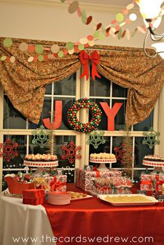 A little paper garland ties in any party décor...check out this Christmas party #HolidayIdeaExchange