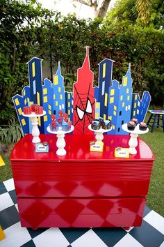 Spiderman dessert ta