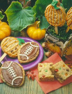 Choc-Oat-Chip Celebration Cookies - Recipe | http://www.quakeroats.com/