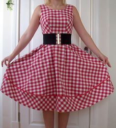 """Burda free """"Coffee Date"""" dress with alterations for a 50's vibe. Retro, rock and roll, rockabilly, vintage, style. Love it. Free pattern."""