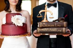 I love the lawyer cake!!!