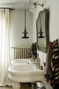 Great double sink and the hanging pendant.