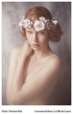 photo : Vivienne Mok, flower crown : La Fille du Consul
