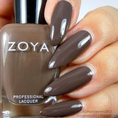 Sassy Paints: Zoya Emilia from the Naturel Deux Collection