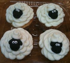 Shaun the Sheep :) Need to make these for my niece...