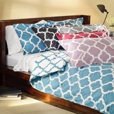@Overstock - Bring a modern feel to your bedroom with this Lyon cotton rich duvet cover set. This set features percale construction for durability and a charming abstract print.http://www.overstock.com/Bedding-Bath/Lyon-Duvet-Cover-Set/6423955/product.html?CID=214117 $44.99