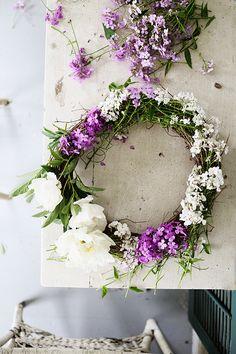 DIY Fresh Flower Wreath