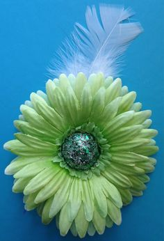 #HEPTEAM Glitter Sequin DAISY Flower HAIR CLIP Green Barrette  by PinUpBlooms on Etsy