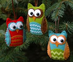 I know how I want to decorate my Christmas tree this year!!  Super cute!!