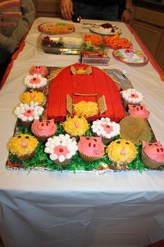 Barn cake- Sheep,pig,chick cupcakes cupcak