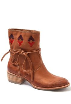 Southwestern Ankle Boots / Kensie