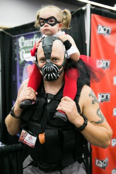 Rose City Comic Con 2013 - Bane and  Baby Harley Quinn