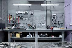 design homes, bench, bicycl shop, bike shop, work areas, store design, lighting ideas, dream garage, barcelona spain
