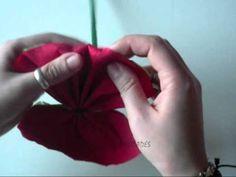 Tutorial muy fácil sobre como hacer una flor de papel, concretamente un clavel con papel crepé.    Suscribiros a nuestro canal para no perderos ninguno de nuestros vídeos! :p    Podéis seguirnos a través de Facebook: http://www.facebook.com/pages/Enfieltrados/295007427380    O Twitter:  http://twitter.com/Enfieltrados    Muchas gracias por ver nuestros v...