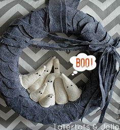 Love this DIY felt ghost wreath scallops, holiday, felt ghost, diy felt, ghosts, halloween crafts, ghost wreath, halloween wreaths, boo ghost
