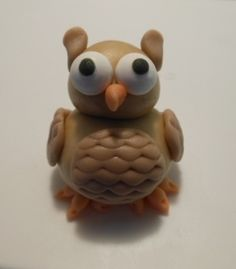 Fondant Owl fondant owl, fondant cake, animal cakes, cake toppers
