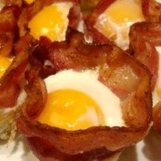 egg cups, bacon and eggs in muffin pan, egg anyon