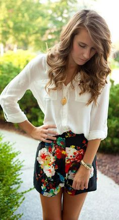 summer outfits     floral shorts + white blouse