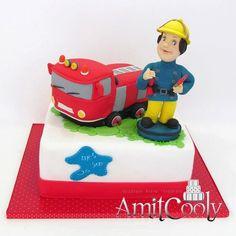 Firetruck and fireman party cake, looks like fireman sam lol