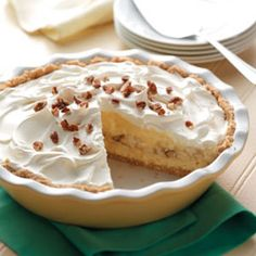 Banana Cheesecake Pie. This is an easy and quick pie. The ingredients just make this pie sound so delicious!!